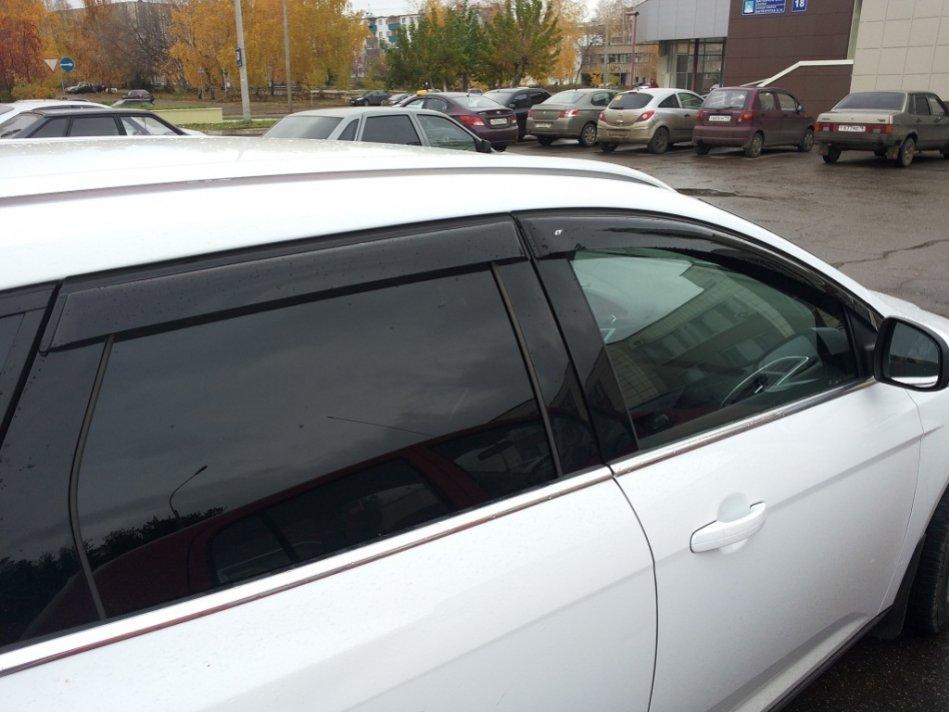 Дефлекторы окон (ветровики) Ford Focus III Wagon 2010